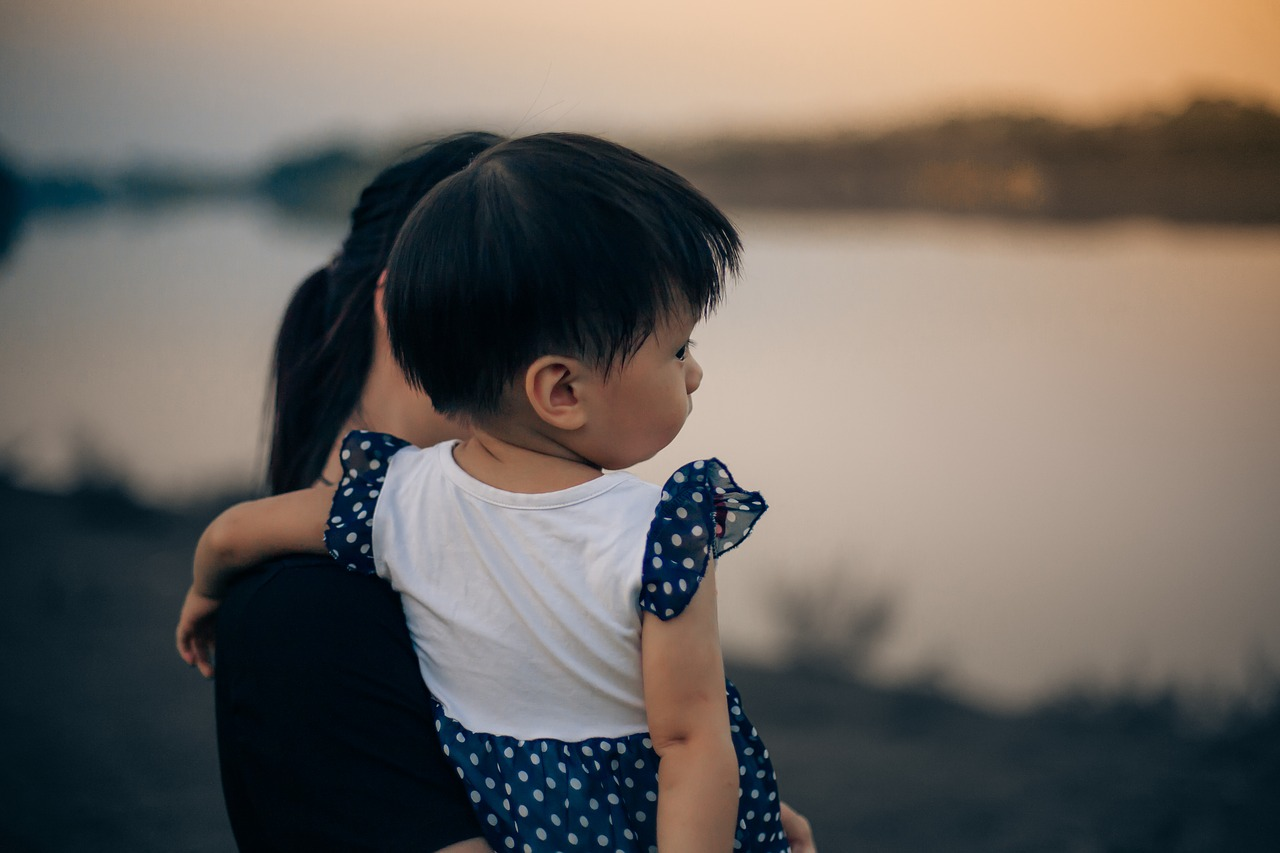 気になるニュース:未婚のシングルマザーについて